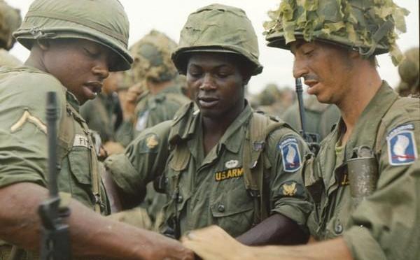 """La Batalla de la colina 875 – """"Sky soldiers""""173rd Airborne Brigade"""